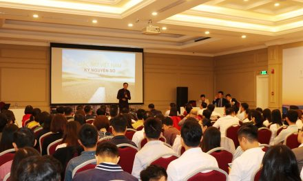 Chiến lược gia toàn cầu Nguyễn Hữu Thái Hòa chia sẻ tại Workshop ở 33A Bà Triệu