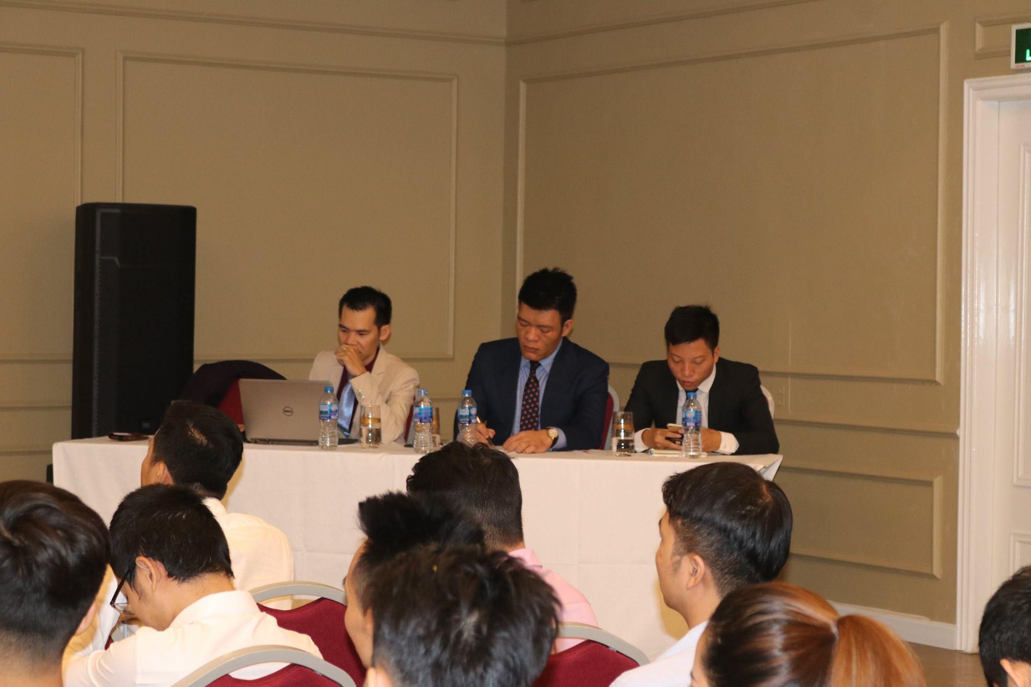 Các chuyên gia đã chia sẻ với hội thảo nhiều kinh nghiệm quý báu cũng như tầm nhìn về lĩnh vực BĐS trong thời đại mới
