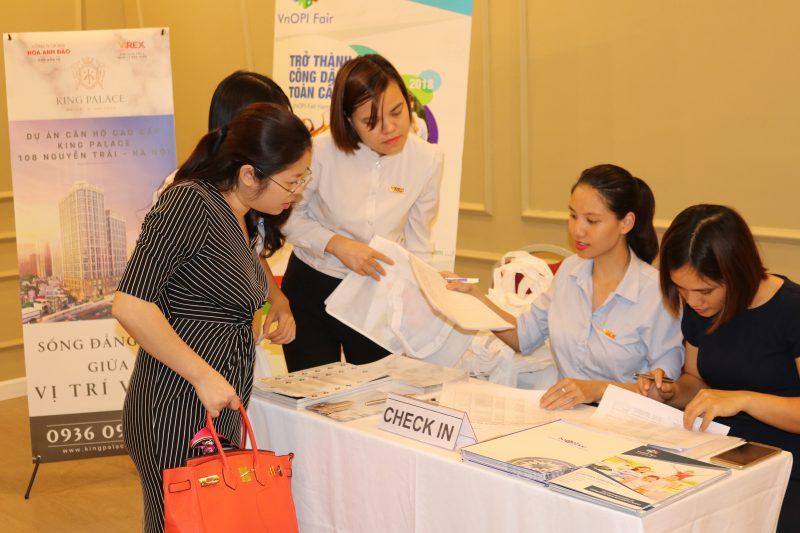 Họp báo triển lãm đầu tư BĐS - đầu tư VnOPI Fair 2018 được tổ chức tại Hội trường VIREX, 33A Bà Triệu, Hà Nội