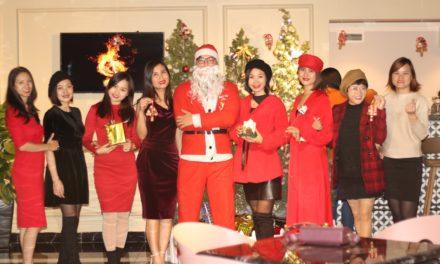 Không khí Giáng Sinh tràn ngập trụ sở VIREX