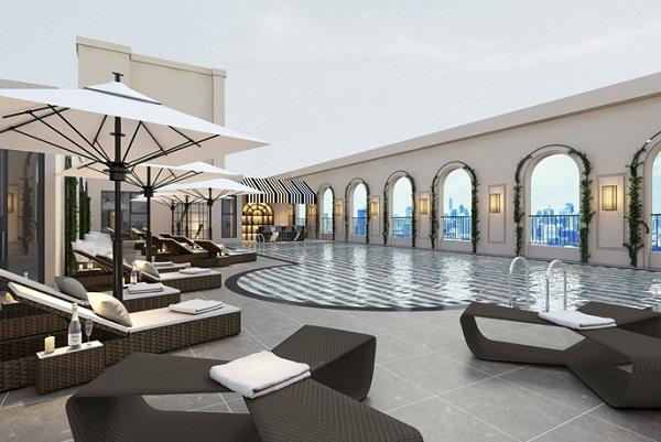 Bể bơi trên tầng thượng tại King Palace được thiết kế đúng chuẩn mực thượng lưu